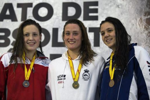 Gómez, Belmonte y Catalina Corró, podio de 400 estilos.