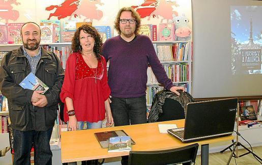 Gracià Sánchez, Beni Aguiló y Tomàs Vibot presentaron la obra.