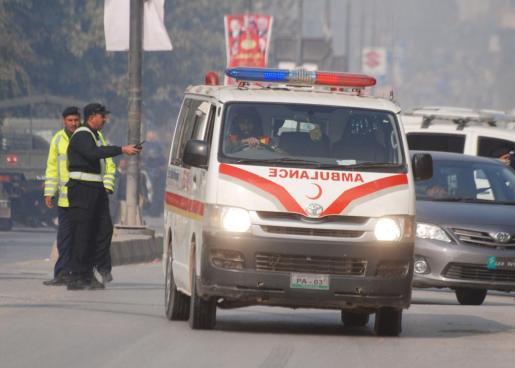 Una ambulancia, en el lugar del atentado.