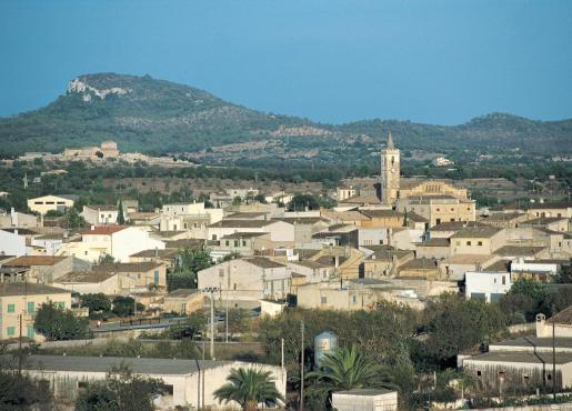 Vista del pueblo de Sant llorenç.