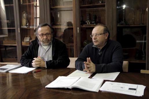 Joan Melià y Miquel Àngel Pradilla durante la presentación del 'VII Informe sobre la llengua catalana'.