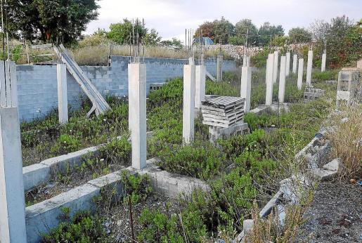 Las obras de demolición de los cimientos de los adosados de Ruberts comenzarán en breve.