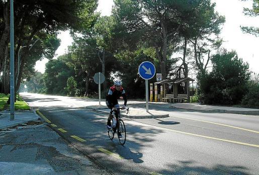 Un carril bici unificadoen la bahía de Alcúdia es una demanda que vecinos y hoteleros vienen haciendo desde hace años.