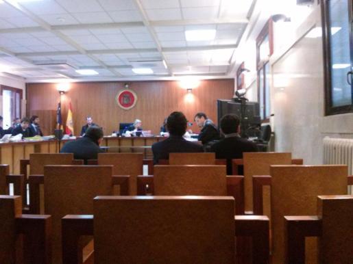 El juicio se celebró este jueves en la Audiencia Provincial de Palma y continuará este viernes.