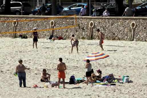 En el mes de marzo de este año también se vivieron jornadas playeras en Palma, como muestra la imagen.