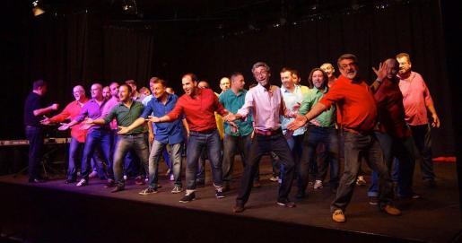 El coro masculino Mallorca Gay Men's Chorus, durante una de sus actuaciones.