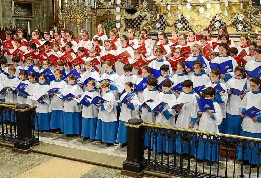 Imagen de uno de los conciertos de los Blauets de Lluc y los Vermells de la Seu.