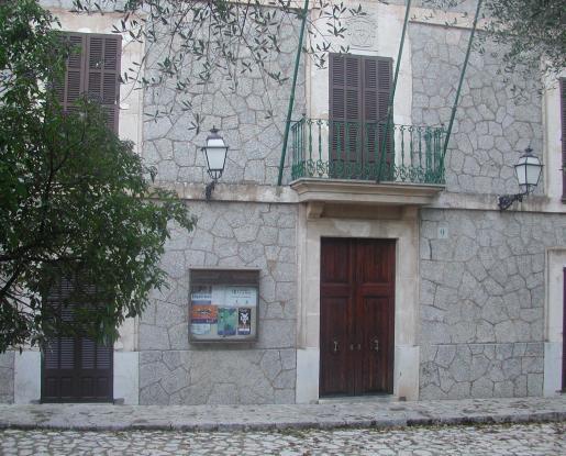 Imagen de la fachada del consistorio.