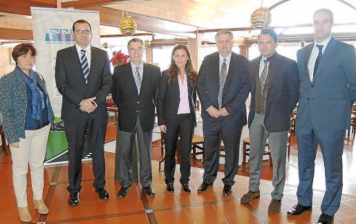 Francisca Pujol, Ignacio Vilaplana, Antonio Gil, África Pardo, Rafael Roig, Alejandro Moyano y Javier Iglesia.