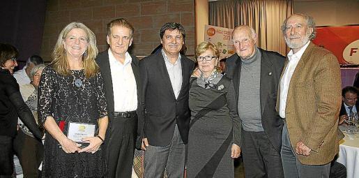 Heike Deda Kolata -campeona de España senior-, Joan Verger, Toni Nadal, Mercedes Estrades, Martín Mora y Miquel Bauzá.
