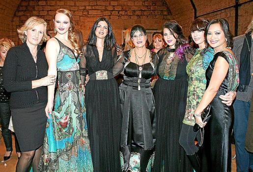 Mylene López Baviera, Mar Lemm, Meital Pudinsky, Michal Negrin, Jasmin Negrin, Adva Saar y Hyet Swinsky.