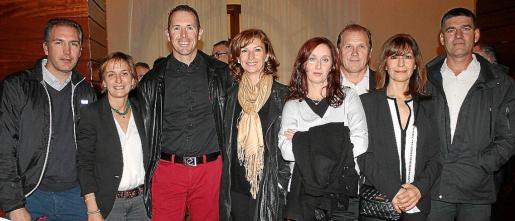 Miquel Brisellach, Maite Servera, José Luis Palacios, Rocío Baños, Chelo Murillo, Francisco Garrido, Antonia Vázquez y Juan Antonio Jiménez.