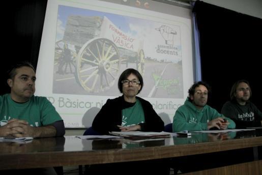 La Assemblea de Docents y la Plataforma Crida en rueda de prensa.
