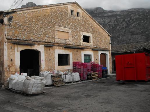 Fachada de la Cooperativa Agrícola Sant Bartomeu de Sóller.