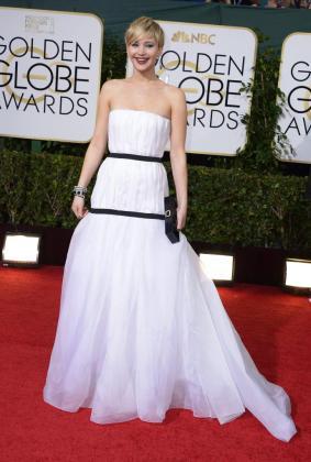 La actriz Jennifer Lawrence, a su llegada a los Globos de Oro.