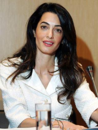 La abogada y mujer de George Clooney, Amal Clooney.
