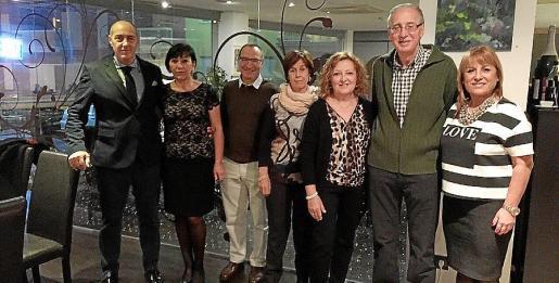 Simón Valls, Margarita Gari , Manolo Ulloa , Neus Morey, Ana Morro, Pere Comas y Pitty Candia.
