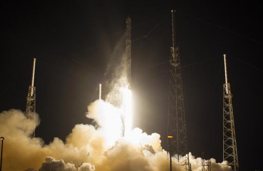 Momento del lanzamiento de la cápsula Dragan desde Cabo Cañaveral.