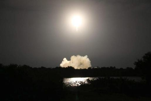 Una imagen de archivo cedida por la NASA el 10 de enero de 125 muestra el despegue del Falcon 9, de SpaceX.
