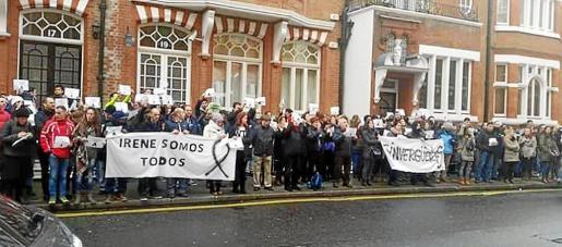 Unos 150 españoles residentes en Londres, muchos de ellos mallorquines, se sumaron ayer a la protesta en la capital británica.
