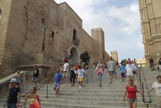 La revista neoyorquina ensalza las cualidades de Palma como destino turístico.
