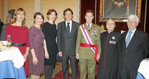 Teresa Palmer, Margalida Duran, Bel Oliver, Mateo Isern, Fernando Aznar, Manuel Redondo y Miguel Matheu.