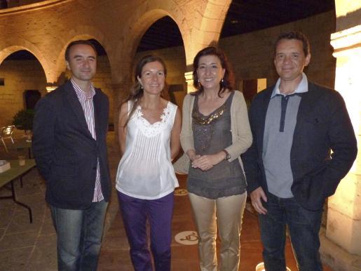Pere Joan Pons, Elena Vera, Nanda Ramon y Xavier Pascuet.