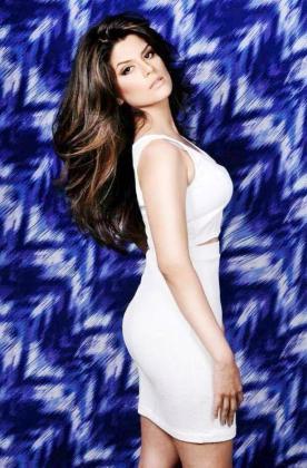 La modelo ecuatoriana Catherine Cando ha muerto mientras era sometida a una operación de cirugía estética.