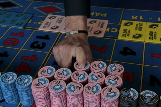 La escuela de croupiers se encarga de preparar al personal que trabaja en los casinos.