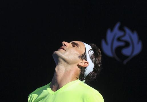Roger Federer se lamenta en una de las bolas que perdió ante Seppi y que le supusieron quedar eliminado.