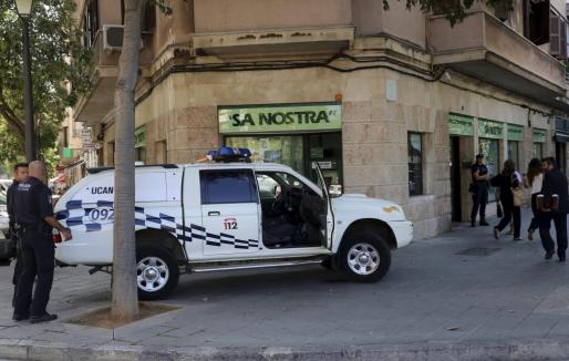 Banco de Sa Nostra en el Passeig Mallorca, a 300 metros de la Policía Nacional de Palma.