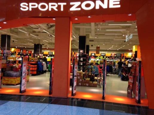 Una de las 30 tiendas físicas de Sport Zone.