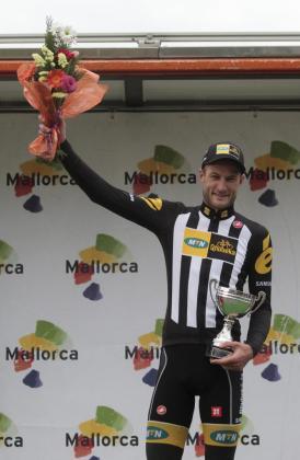 El corredor británico Steve Cummings (MTN-Qhubeka) se ha proclamado vencedor este viernes del Trofeo Andratx-Mirador d'Es Colomer, de 149 kilómetros.