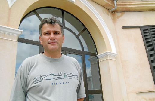 El socialista Burguera dimitirá hoy a mediodía como alcalde del municipio.