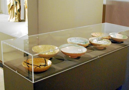 La cerámica, ya en el interior de las vitrinas climáticas del Petite Palais.