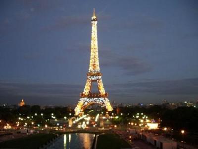 La Torre Eiffel, muy solicitada por los amantes de los selfies.