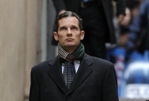 El duque de Palma, Iñaki Urdangarin, a su llegada a los juzgados de Palma para declarar por segunda vez como imputado por las supuestas irregularidades detectadas en la gestión de fondos públicos por parte del Instituto Nóos.