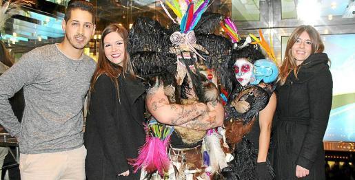 Carnaval universitario en Riu Palace