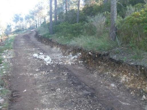 Vista del camino al Molí des Castellet, donde se realiazan obras.