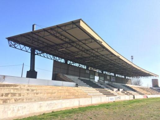Grada cubierta de la instalación desportiva Camp Nou de Inca.