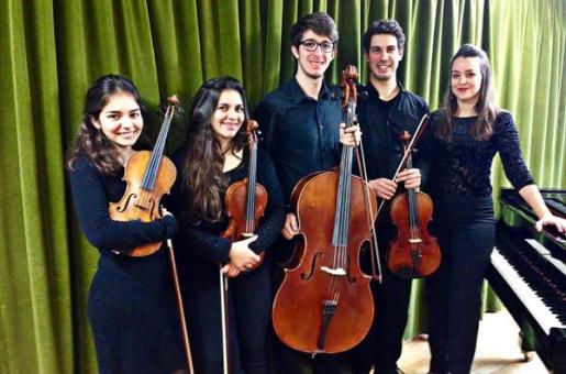 Los alumnos que ofrecerán el concierto.