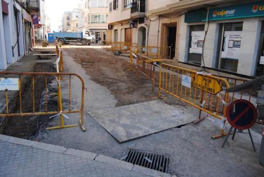 Vista de una de las calles que se están asfaltando en Manacor.