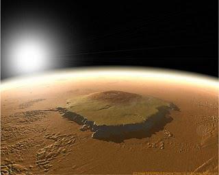 Vista general de una de las montañas de Marte.