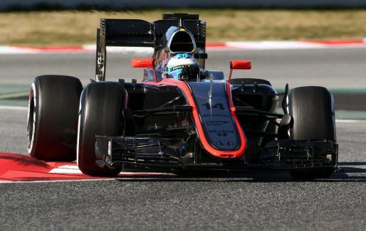 Fernando Alonso, durante la cuarta tanda de entrenamientos de pretemporada del Mundial de Fórmula Uno.