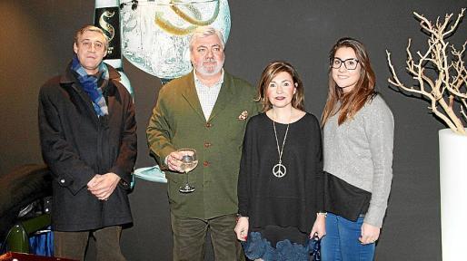Jaime Riutort, Rafael Salas, Marga Salom y Cristina Salas.