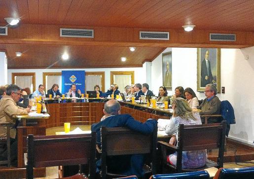 El pleno de abril de 2014 del Ajuntament de Inca descartó definitivamente externalizar el servicio de agua.