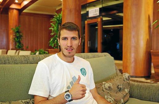 Marko Scepovic tras rubricar el contrato que le liga al Terek Grozny checheno.