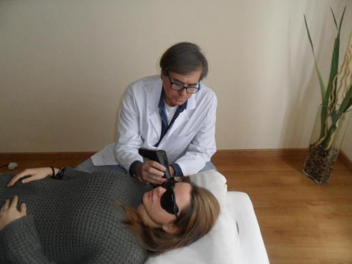 La terapia láser es totalmente indolora, además de agradable, y carece de efectos secundarios.