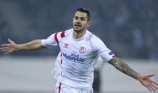 El jugador del Sevilla Vitolo celebra su gol ante el Borussia Moenchengladbach.