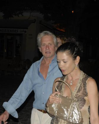 Catherine Zeta Jones y su marido Michael Douglas.